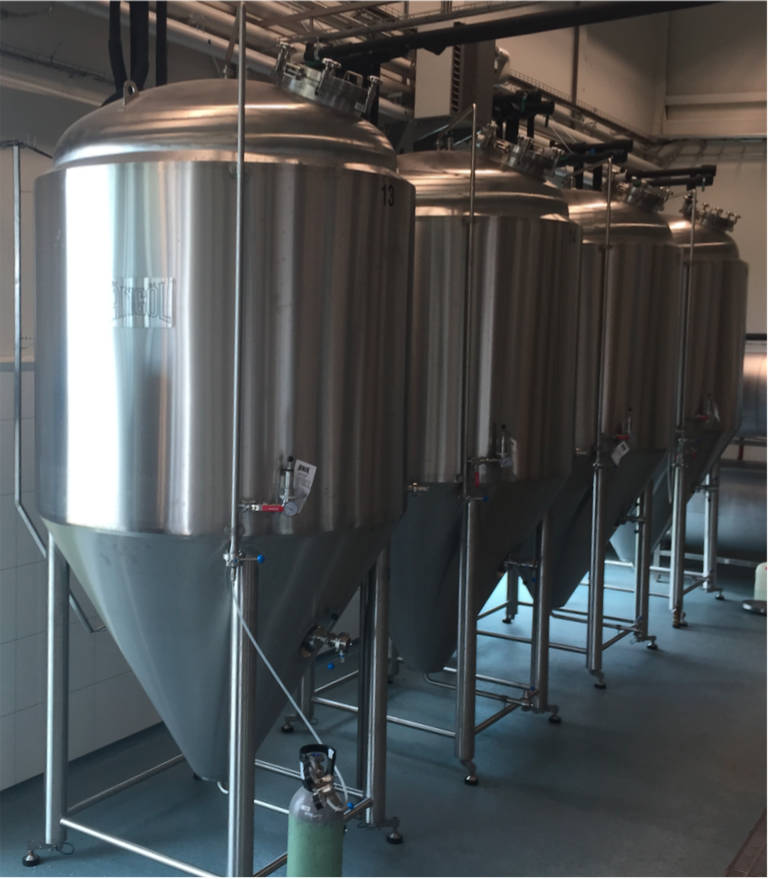 4000L Fermenters on Weight Cells